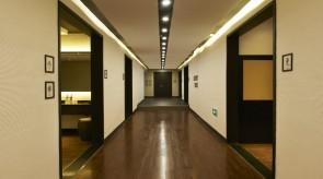 更衣室へ向かう廊下